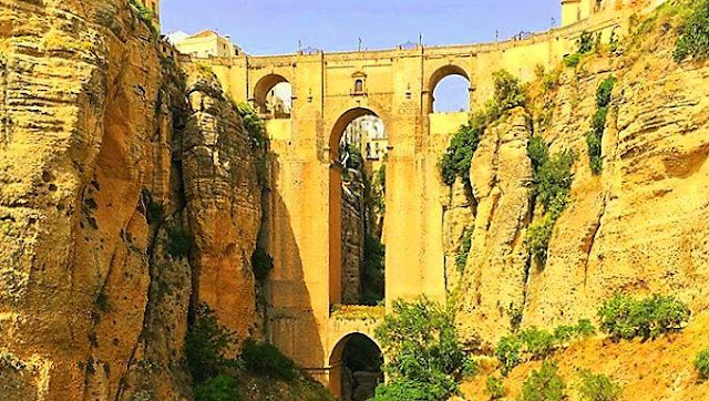 Amazing Tajo of Ronda in a day trip from Malaga