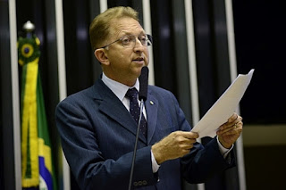 Bancada Evangélica luta contra ideologia esquerdista, afirma João Campos