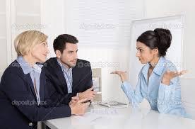 falando demais em reunião de trabalho