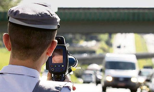 Truque para não receber multas de trânsito