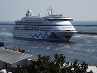 AIDAvita Cruise Ship,Photos Cruise Ship on the Tyne,Ship  on the Tyne, Tyne Shipping,Photos Port of Tyne, Northumbrian Images Blogspot,North East, England,Photos,Photographs