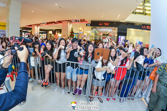 Fans who were excited to see Super Junior KangIn and LeeTeuk
