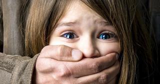 10 χρυσοί κανόνες ασφαλείας ανηλίκων που όλοι οι γονείς είναι υποχρεωμένοι να διδάξουν στα παιδιά τους
