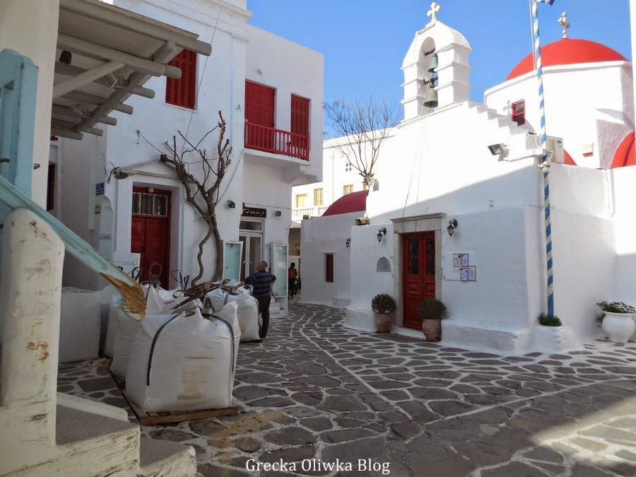 prace remontowe Plac Agia Anna Mykonos Grecja