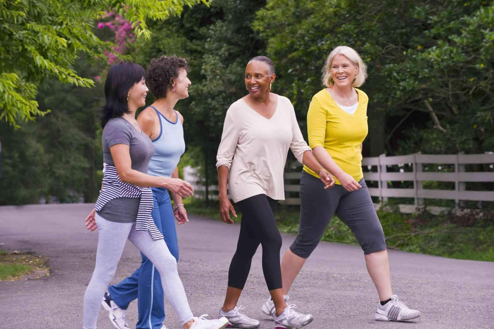 Walking Improves Brain Activity, Fights Depression, Reduces Obesity And Treats Other Diseases