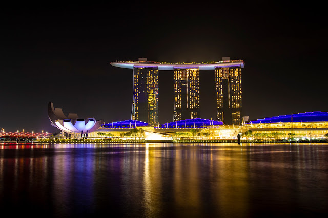 Marina Bay sands by night-Marina Bay-Singapore