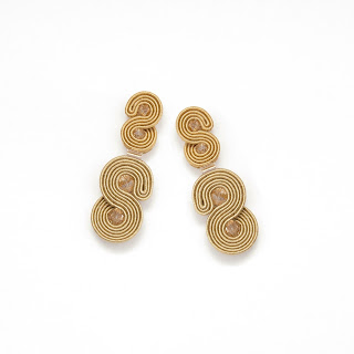 gold-statement-stud-earrings