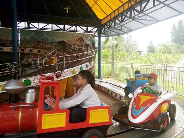Taman Legenda TMII, mobil tanjak