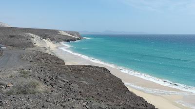Menschenleerer Strand Fuerteventura