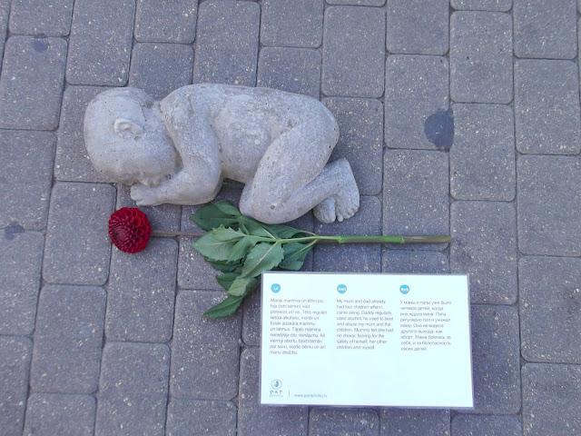 исследования памятник нерожденным детям во всем мире фото была возмущена