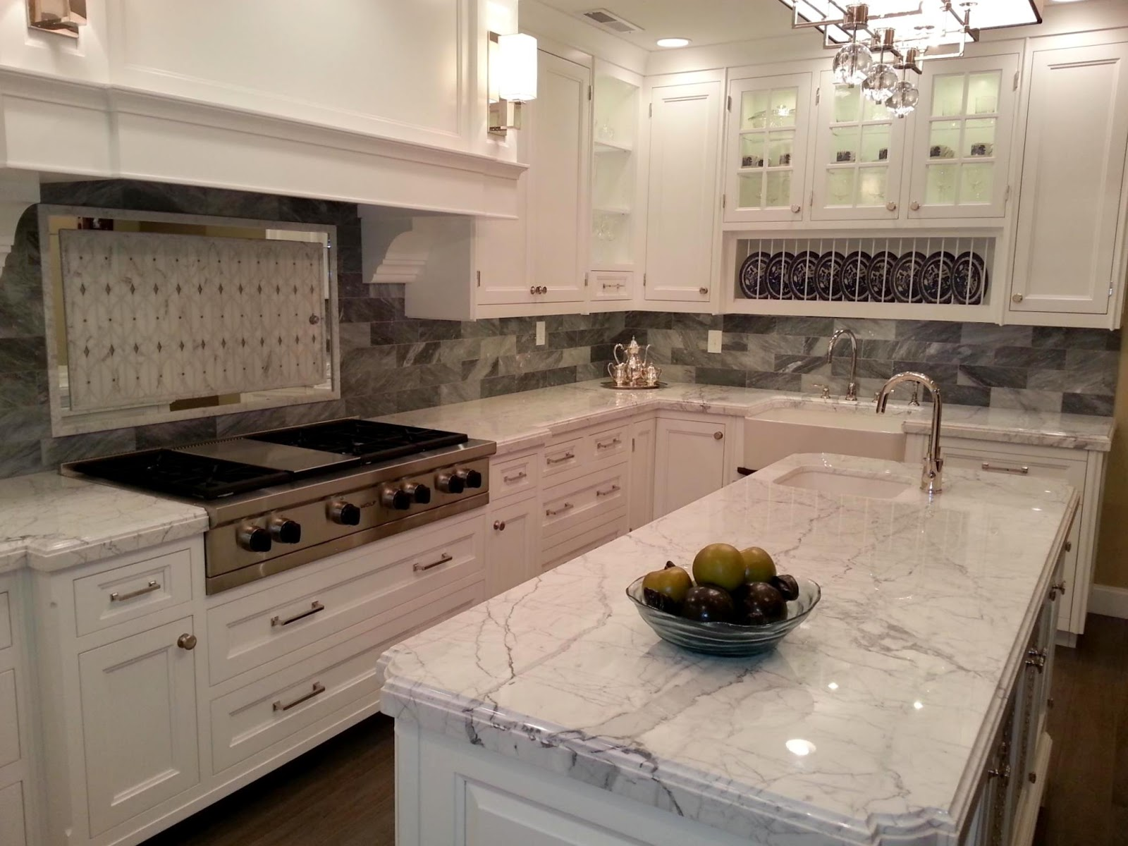 Tips Ways To Make A Small Kitchen Look Bigger