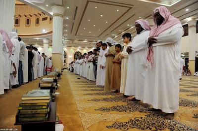 shaf shalat berjamaah di saudi arabia