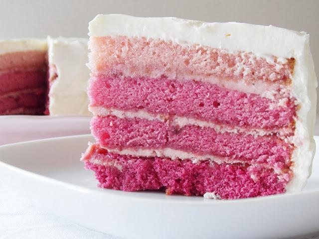 Stück der Pink - Ombre - Torte