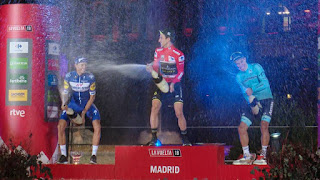 CICLISMO EN RUTA - La Vuelta España 2018: Simon Yates se reivindica y se coloca su primer gran maillot
