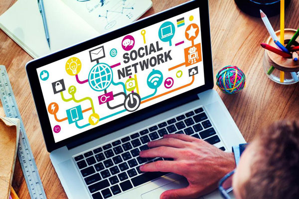 8 Social Media Hacks For Productive Personal Branding