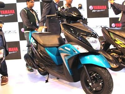 Yamaha Cygnus Ray-ZR Scooter blue black image