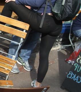 Rubia calzas transparentes calzon marcado