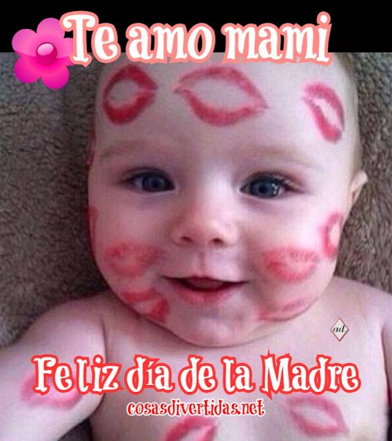 Bebé precioso lleno de besos que dice Te amo mami