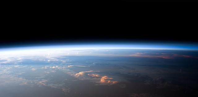 Beberapa Teori Lain Tentang Bentuk Bumi yang Dianggap Konyol