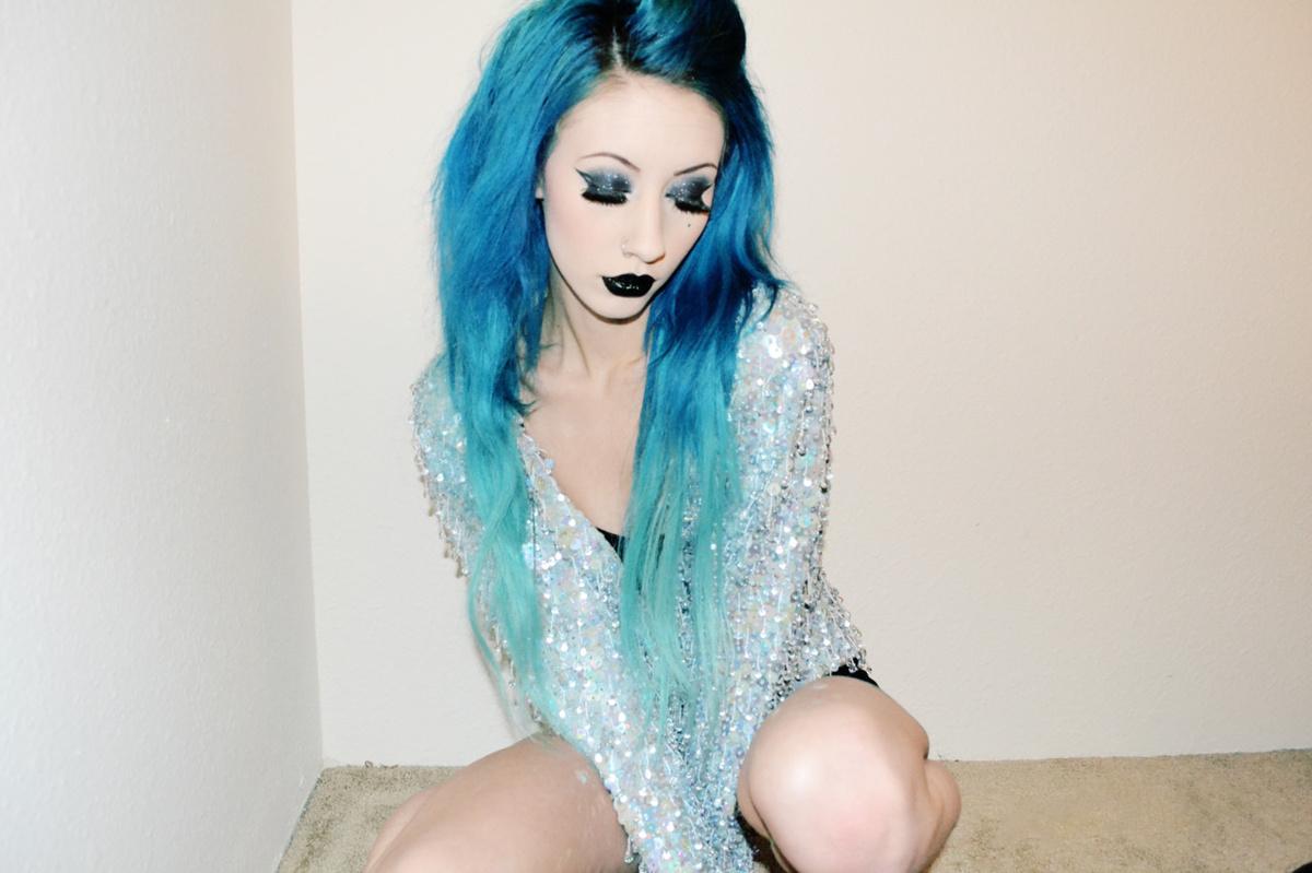 alternative girl pussy blue hair