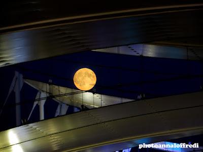 expo 2015 full moon