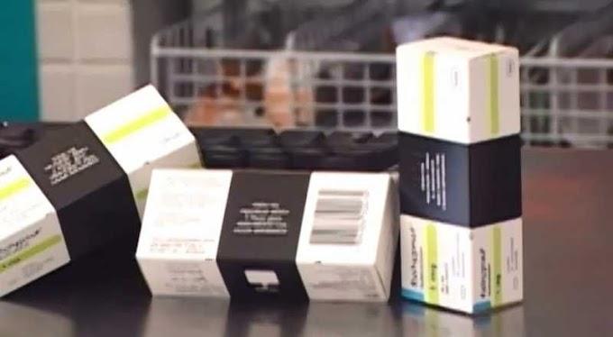 Dupla assalta farmácia e rouba dinheiro e remédios tarja preta