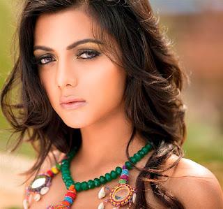 Ruhi Singh Images