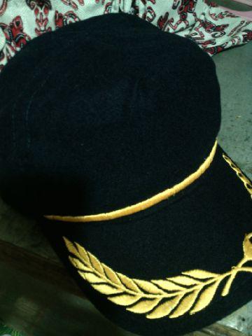 Model Topi Seperti Foto Diatas Adalah Yang Paling Banyak Diminati Sekarang dabd88bd2f