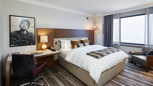 Experience the Loews Minneapolis Hotel, a luxury hotel offering chic guest rooms, delicious cuisine, and convenient location in Downtown Minneapolis.