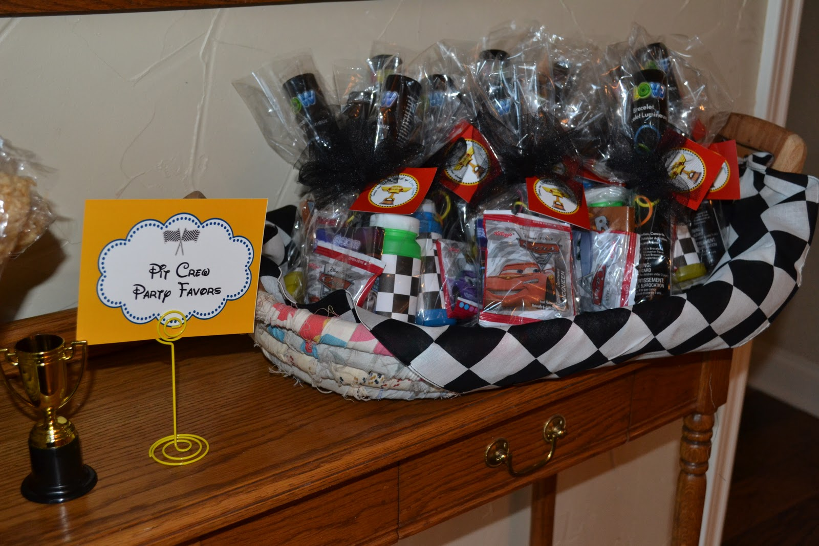 ONCE UPON A PARTY Disney Cars Party