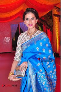 Actress Model Shilpa Reddy Exclusive Stills in Blue Saree at Vijay Karan Aashna Wedding  0010.JPG