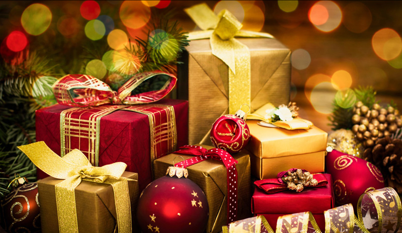 7 Ways To Save Money Buying Christmas Gifts