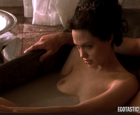 Фото смотреть онлайн эротические сцены с анджелиной джоли трахают друг