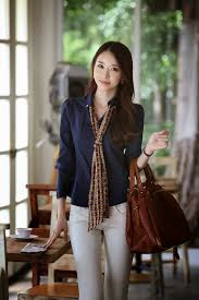 Fashion Wanita Yang Lagi Trend