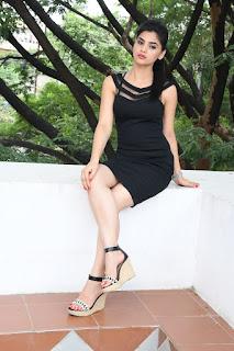 Selfie raja heroine Kamna Ranawat Pictures 049.jpg