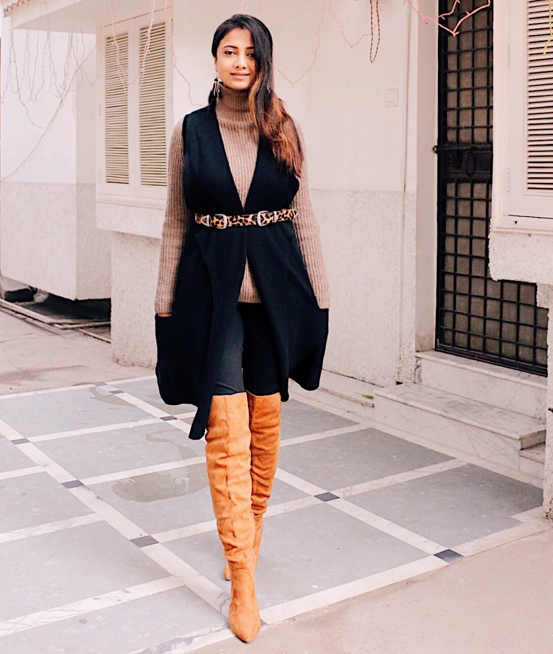 subtle ways to wear leopard print, over the knee boots, colors to wear with leopard, leopard pattern, leopard belt, uk blog, london blog, top indian blog, indian fashion blog, how to, wear leggings, winter outfit, winter fashion, 2017 winter outfits, top street style, 2017 blogger outfit, european style, london street style, minimal chic, how to wear leopard, city girl outfit, style over the knee boots, brown otk,