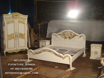 Jual mebel Jepara,Mebelinteriorklasik,jual tempat tidur classic eropa mewah italian style jati ukir klasik cat duco