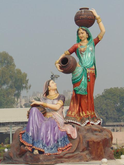 statue in prem mandir