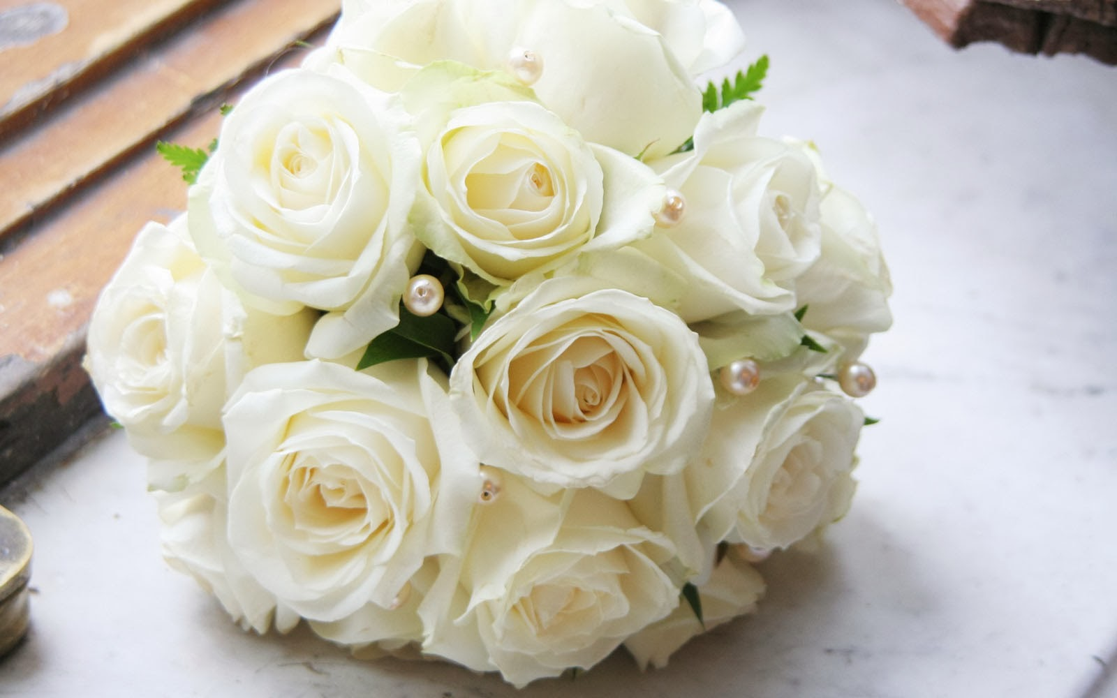wallpapers: White Rose Bouquet Wallpapers