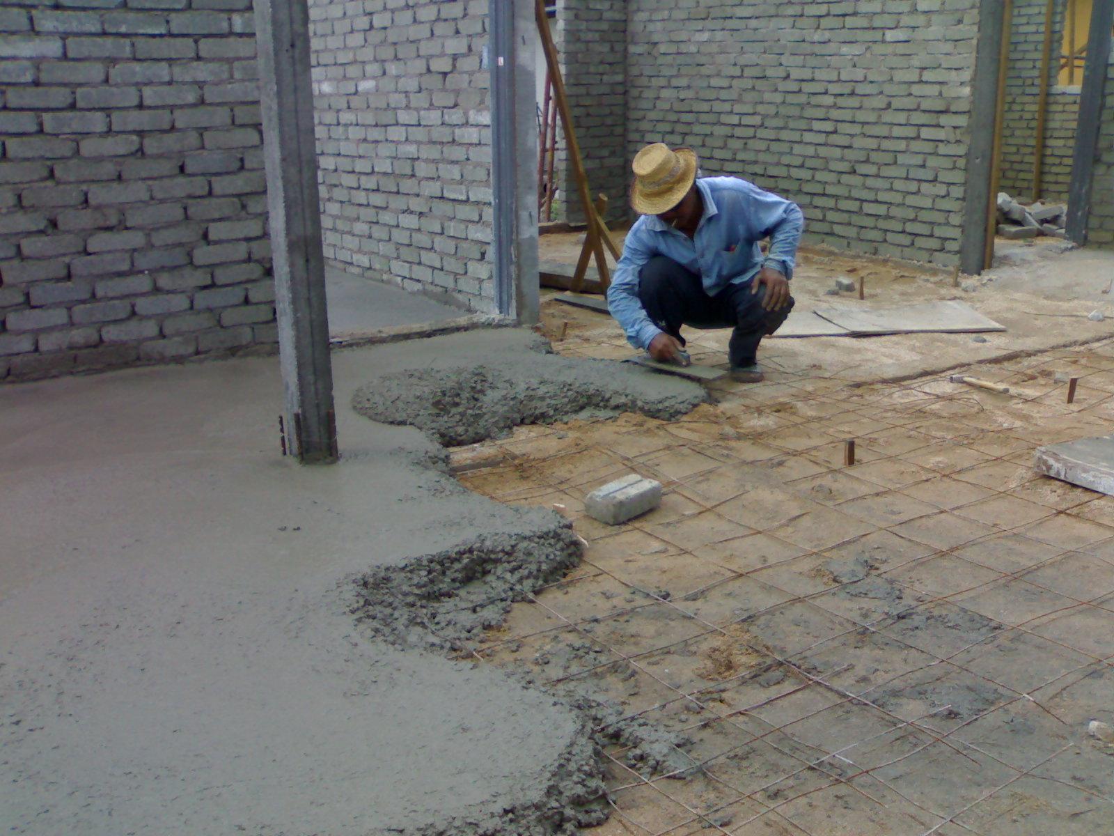 Kerja konkrit lantai  Bina rumah sendiri