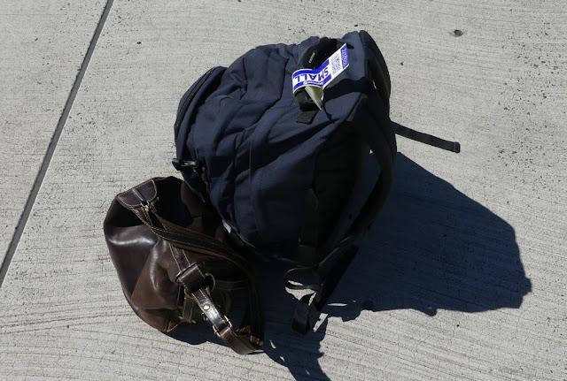 Reisen mit kleinem Handgepäck im Billigflieger