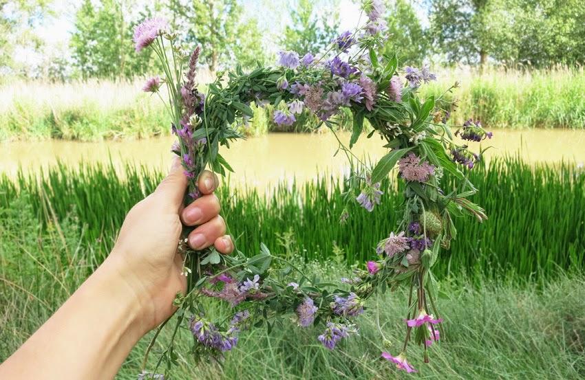 Diy corona de flores silvestres improvisado7