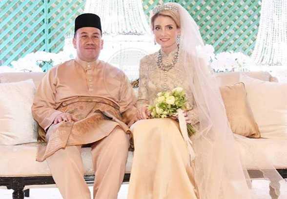 Gambar perkahwinan Tengku Mahkota Kelantan