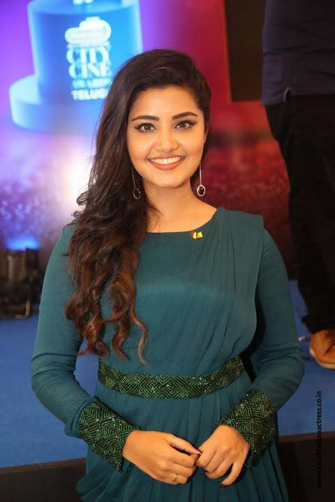 Anupama Parameshwaran cute smile lovely Actress in Green at Radio City Cine Awards