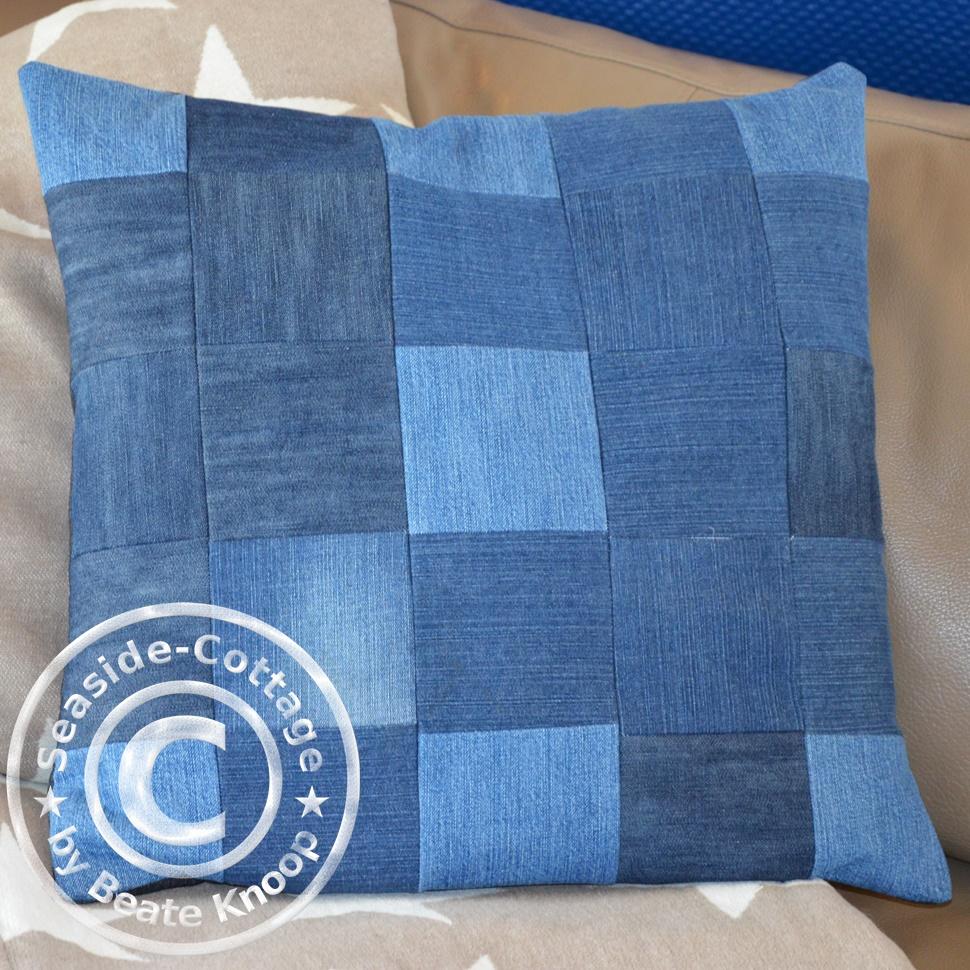 kissen aus jeans naehen, seaside-cottage: upcycling: patchwork-kissen aus jeans & blaue wand, Design ideen
