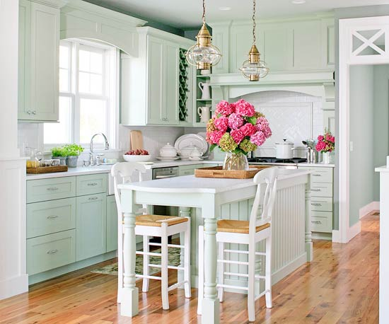Made In Heaven: A Lakefront Cottage Kitchen