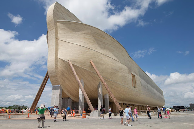 full-size-noahs-ark-recreated-biblical-theme-park-Kentucky