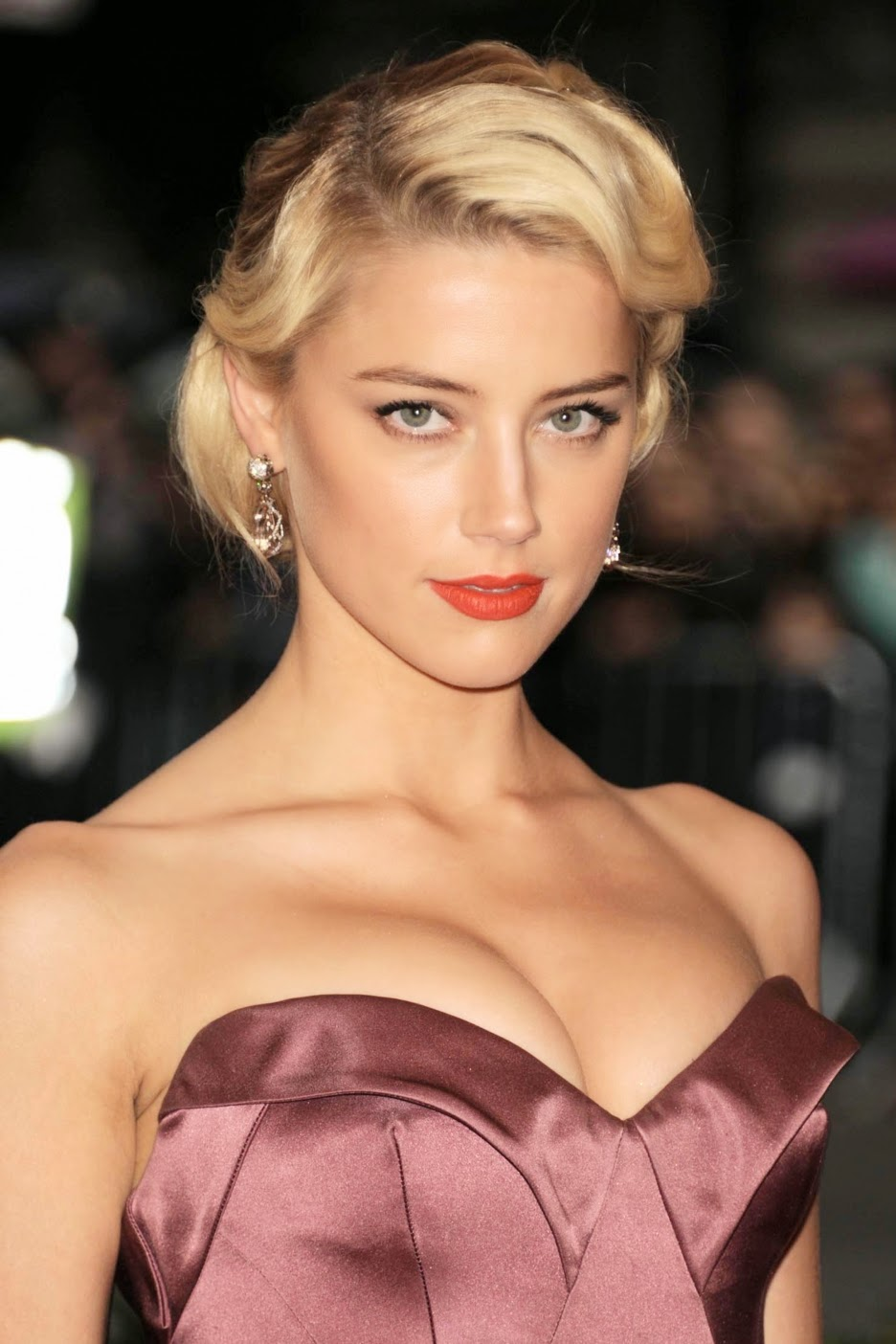 Amber Heard Is The Most Scientifically Beautiful Woman: STAR CELEBRITY WALLPAPERS: Amber Heard HD Wallpapers