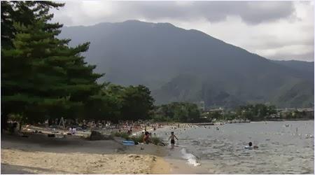 ชายหาดริมทะเลสาบบิวะ (Lake Biwa)