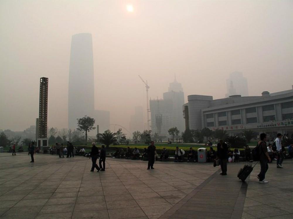 Bắc Kinh báo động đỏ về ô nhiễm không khí